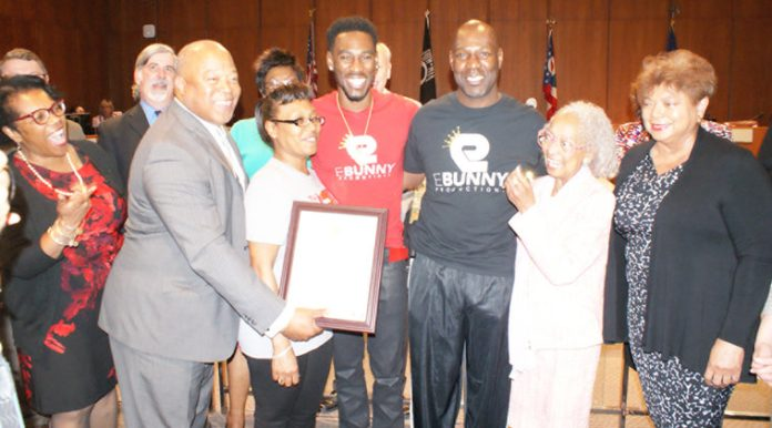 Robert Easter Jr. professional boxer honored | The Toledo Journal