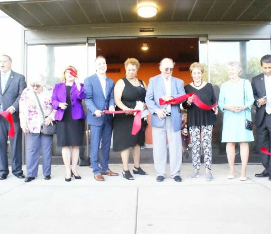 Mott Library Ribbon Cutting
